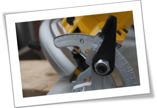 circular saw safety mechanism